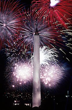 250px-Fourth_of_July_fireworks_behind_the_Washington_Monument,_1986.jpg