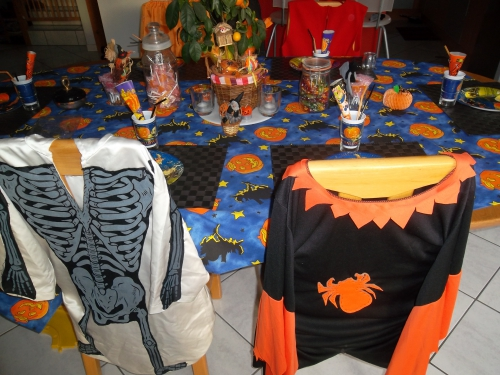 table enfant halloween , decoration halloween